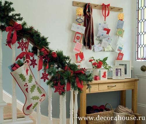 Украшаем коридоп и лестницу к Новому году